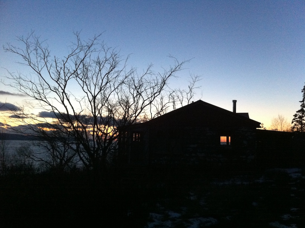 Cabin_winter_sundown