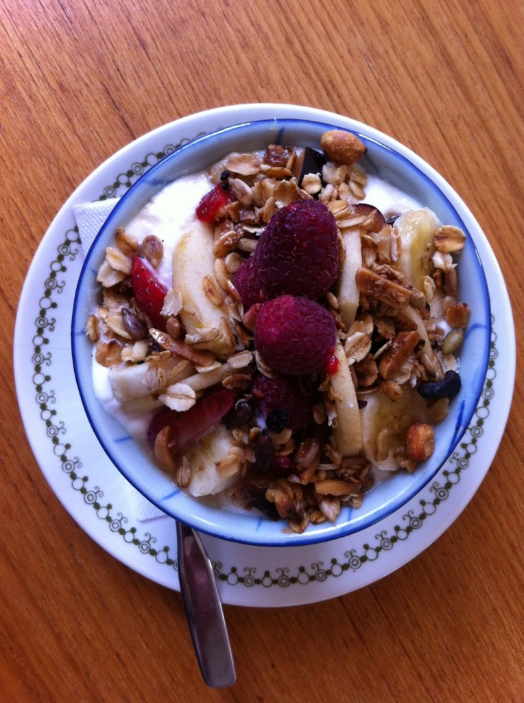 Granola Yogourt with Fruit and Syrup